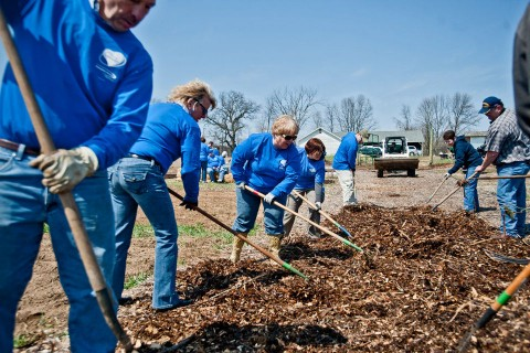 Consumers Energy Employees Volunteer at Ecology Farm